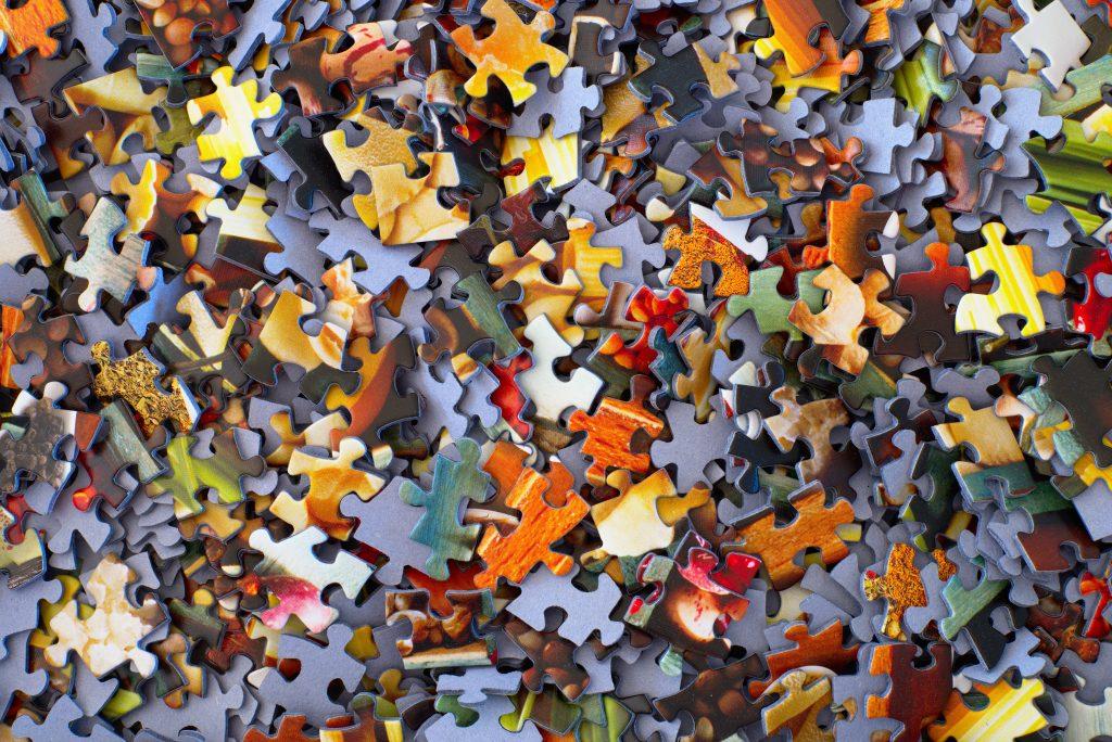 como las pizas de un puzzle hay que encontrar las características que definen la buyer persona